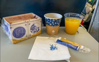 Как красиво кормили до этого карантина в самолетах KLM