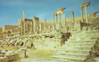 Театры Египта