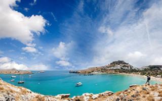 Какими морями омывается территория греции