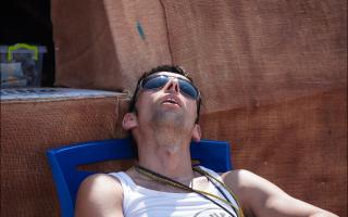 Спросил у курортниц в Крыму, почему наши мужчины так плохо выглядят на пляже, по их мнению