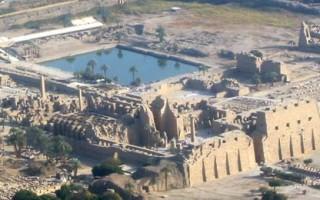 Кому посвящен знаменитый храм Озеро