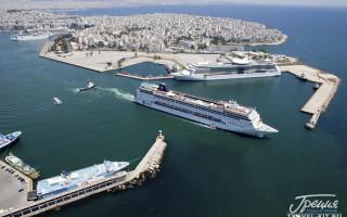 Город и порт в греции