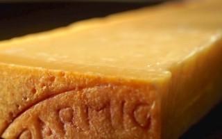 Сыр пармиджано реджано и грана падано