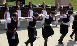 Танец греков и гречанок