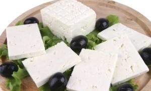 Сыр фета чем заменить в греческом салате