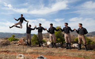 Национальный танец греков
