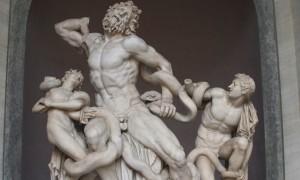 Античные скульптуры мужчин