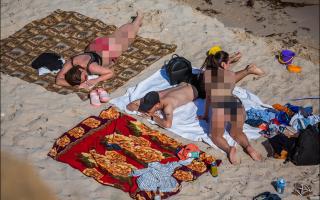 Типичная; яжемать; на крымском пляже