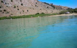Крит озеро с черепахами