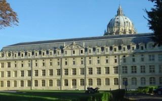 Монастыри Парижа
