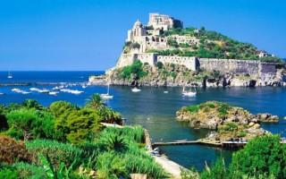 Остров иске италия